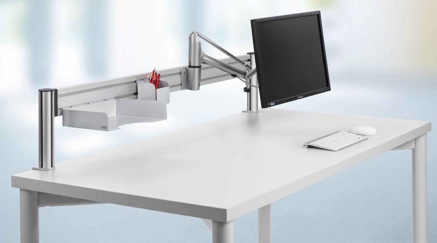 computer monitor halterung mit einem frei schwenkbarem faltarm zur schreibtisch befestigung. Black Bedroom Furniture Sets. Home Design Ideas