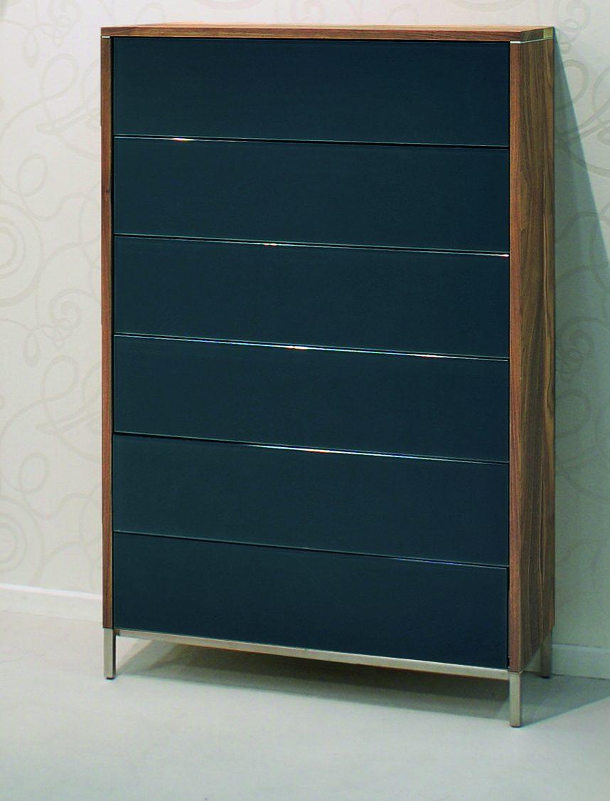 elegantes highboard aus nussbaum massivholz front. Black Bedroom Furniture Sets. Home Design Ideas