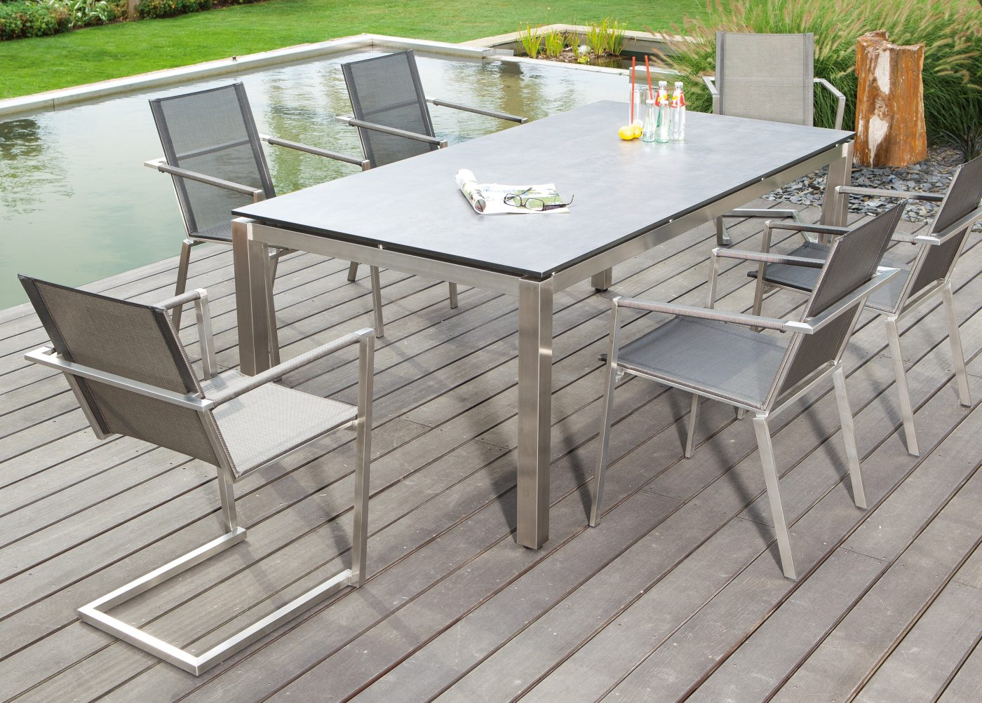 hochwertiger gartentisch tischgestell edelstahl tischplatte compact beton dunkel mit4 x. Black Bedroom Furniture Sets. Home Design Ideas
