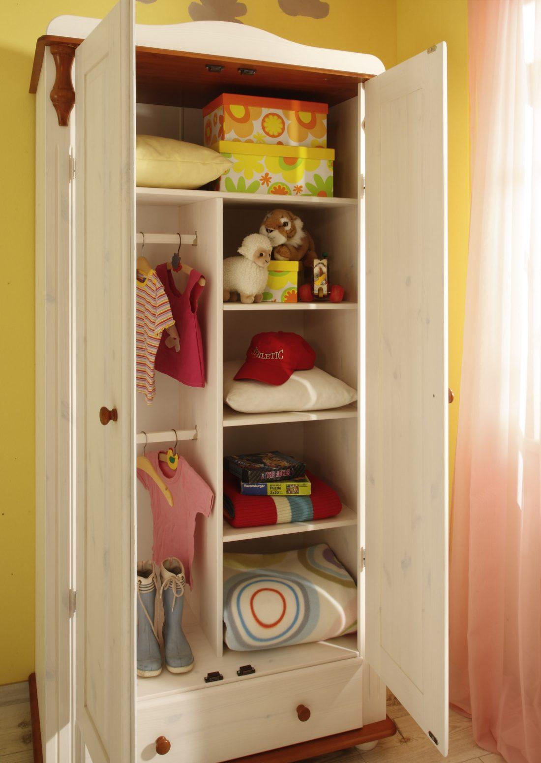 """baby- und kinderzimmer-kleiderschrank aus dem babymöbel-set """"lara"""