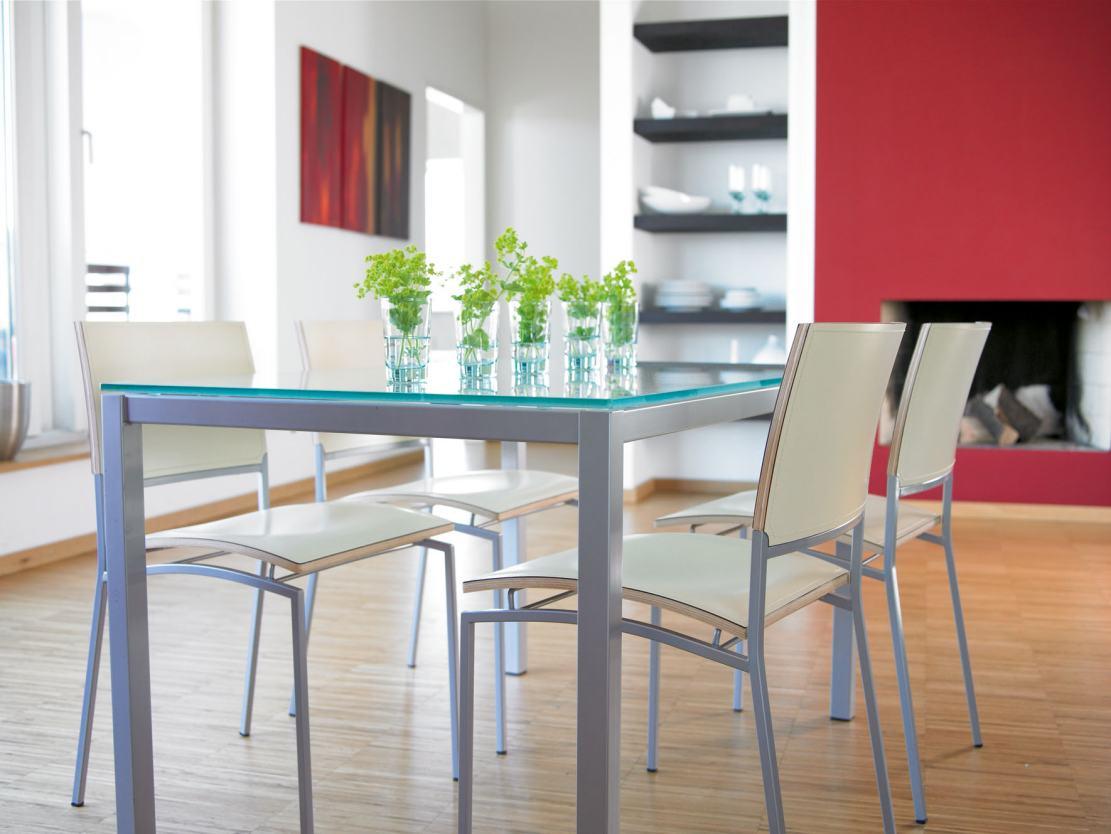 Sehr moderner und preiswerter esstischstuhl und glastisch for Designer esstischstuhl