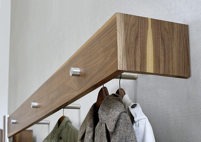 Wandgarderobe Edelstahl garderobe art390 3s nussbaum wandgarderobe aus massivholz in
